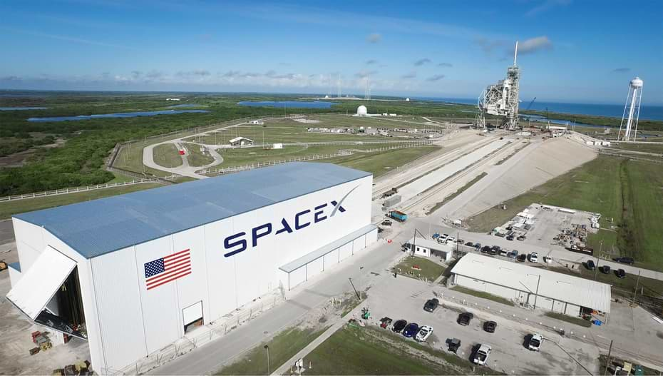 Coronavirus causes SpaceX to delay the launch of a satellite on Falcon 9