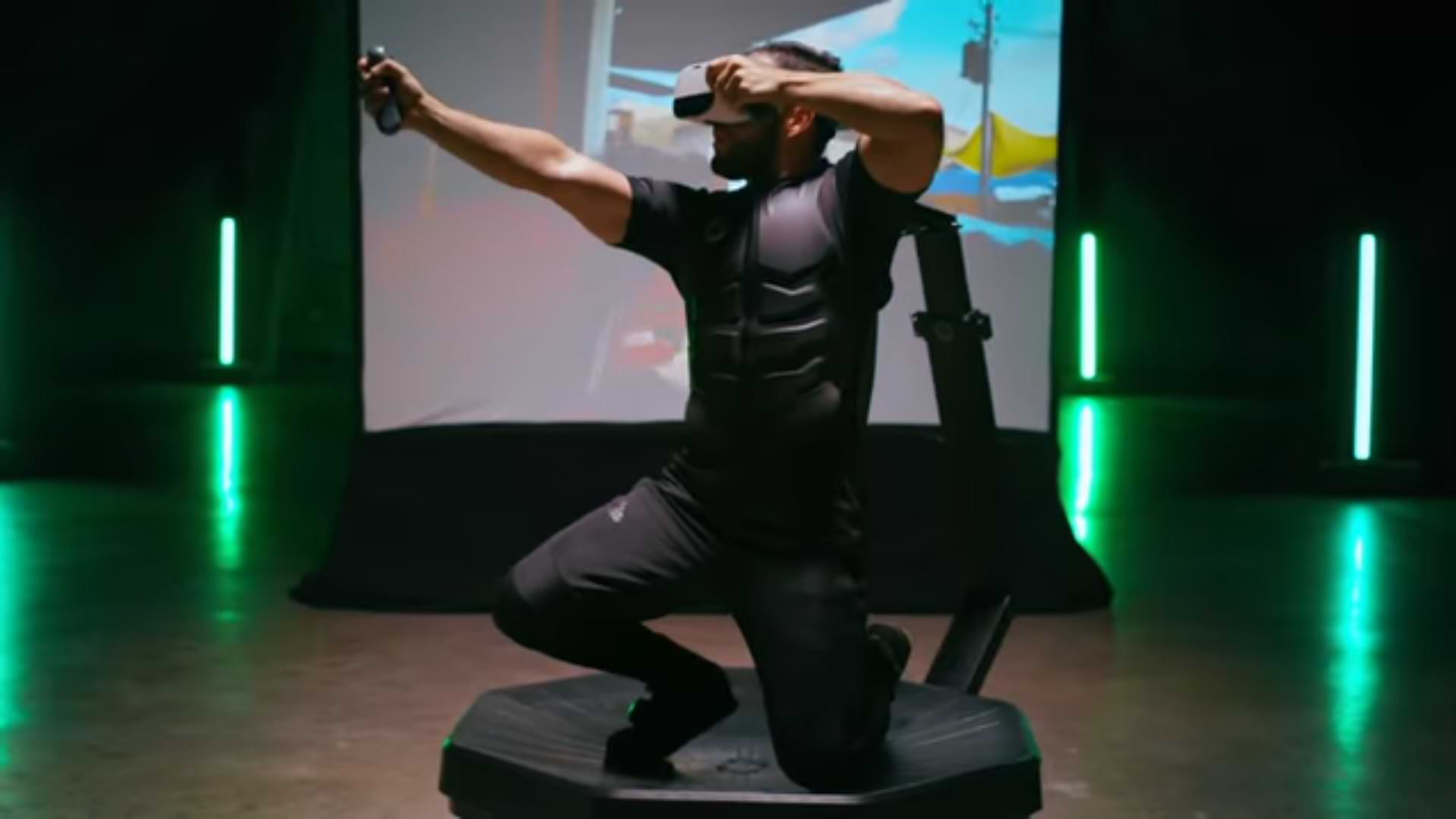 Virtuix Omni One, a platform that will allow you to run and crouch in virtual reality games