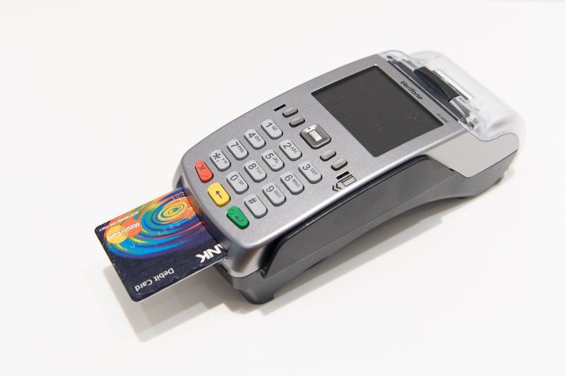How to Use a Credit Card POS Machine to Cash Out - Quick and Easy