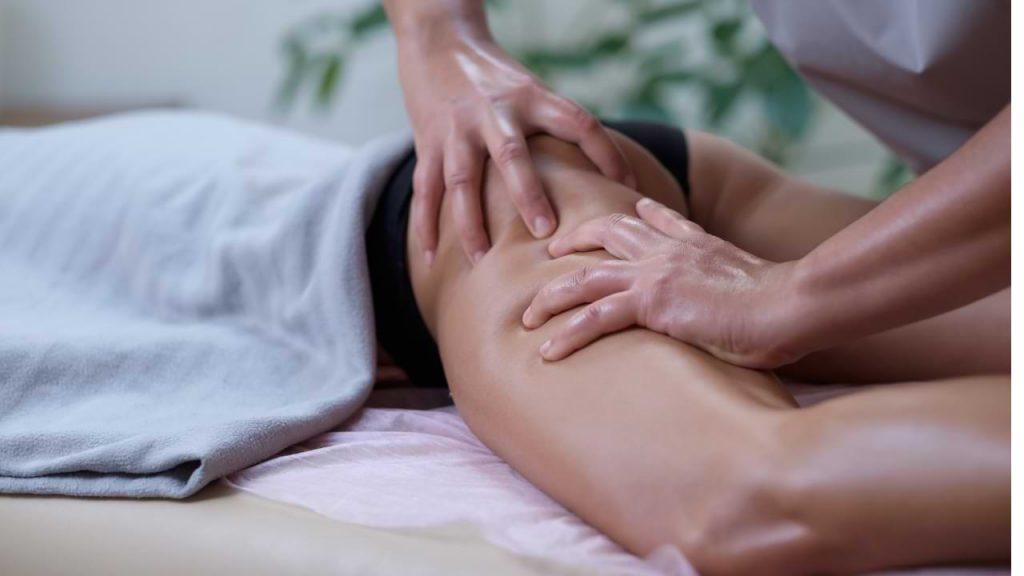 Toning massages to grow the buttocks